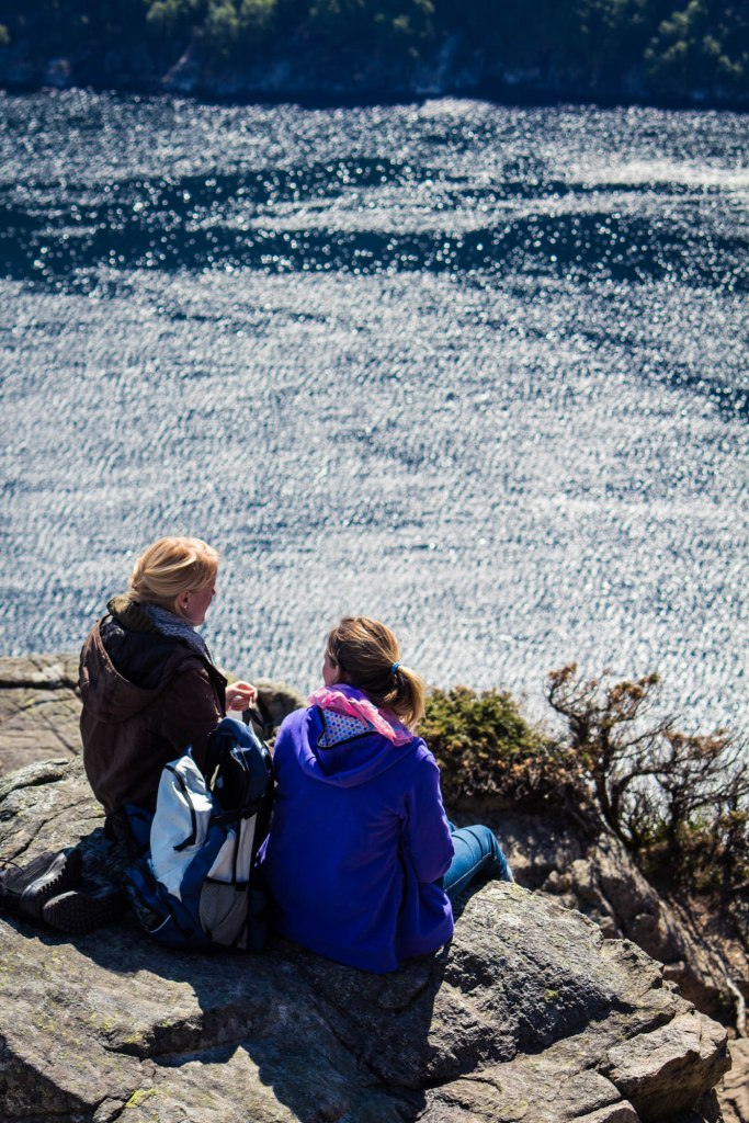 Filles au fjord